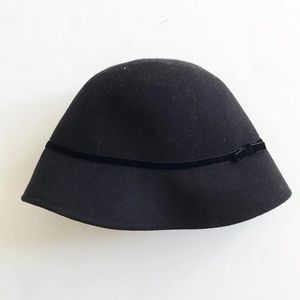 Gymboree black 100% wool velvet bow hat EUC size S